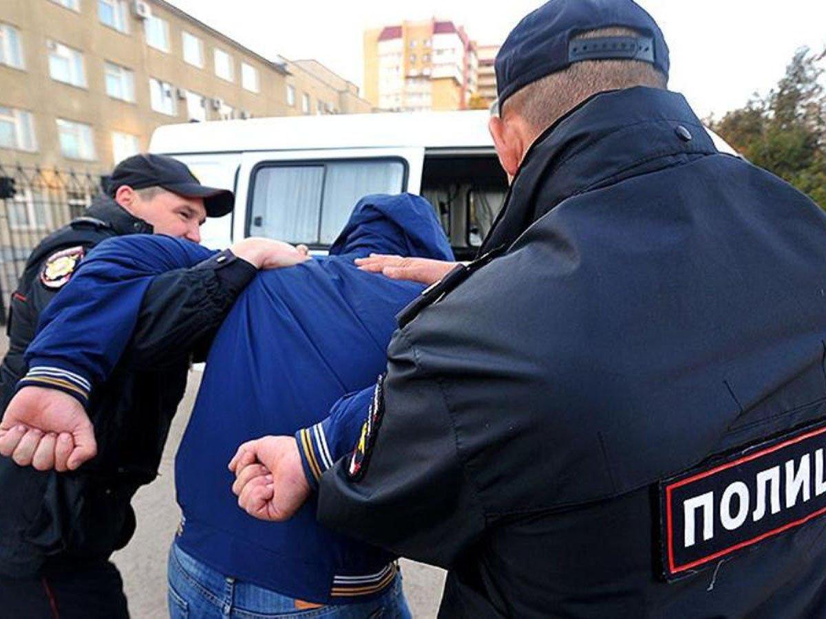В Улан-Удэ арестованы трое полицейских, обвиняемых в сексуальном насилии над подростком