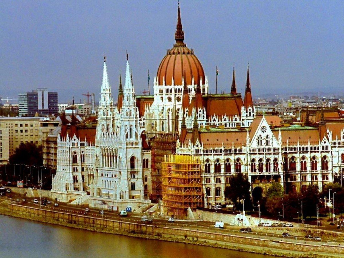 Венгрия откроет границы для россиян