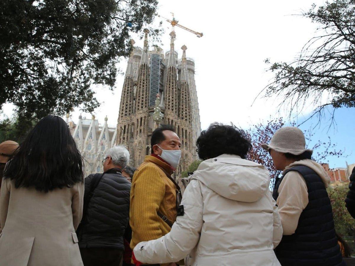 В Испании объявлено чрезвычайное положение из-за вспышки COVID-19