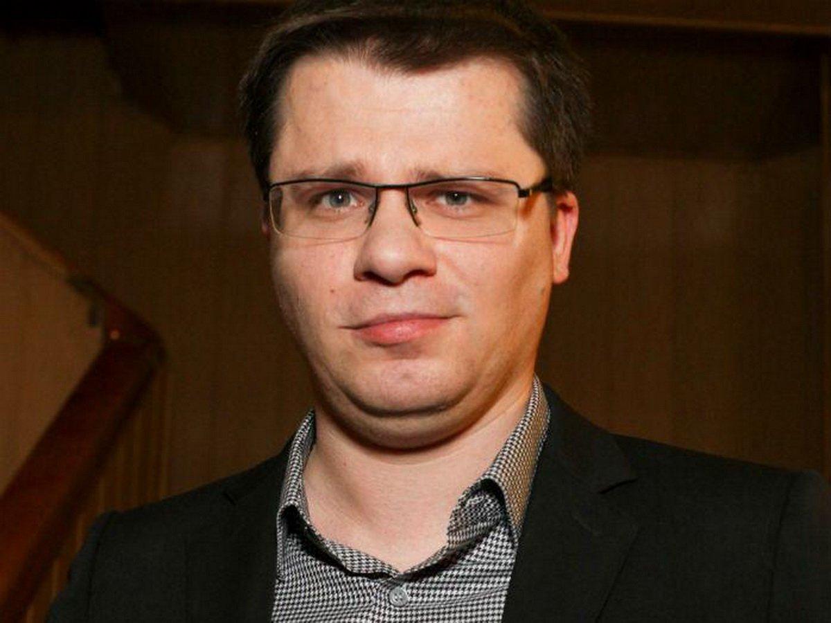 Харламов объявил о разводе в центре Питера