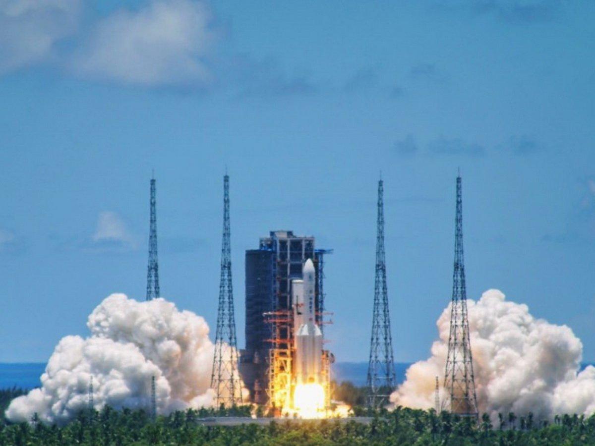 Китай запустил первую миссию для изучения Марса