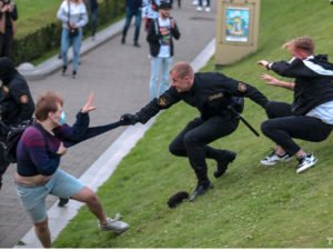 В Минске защитники Бабарико столкнулись с ОМОНом