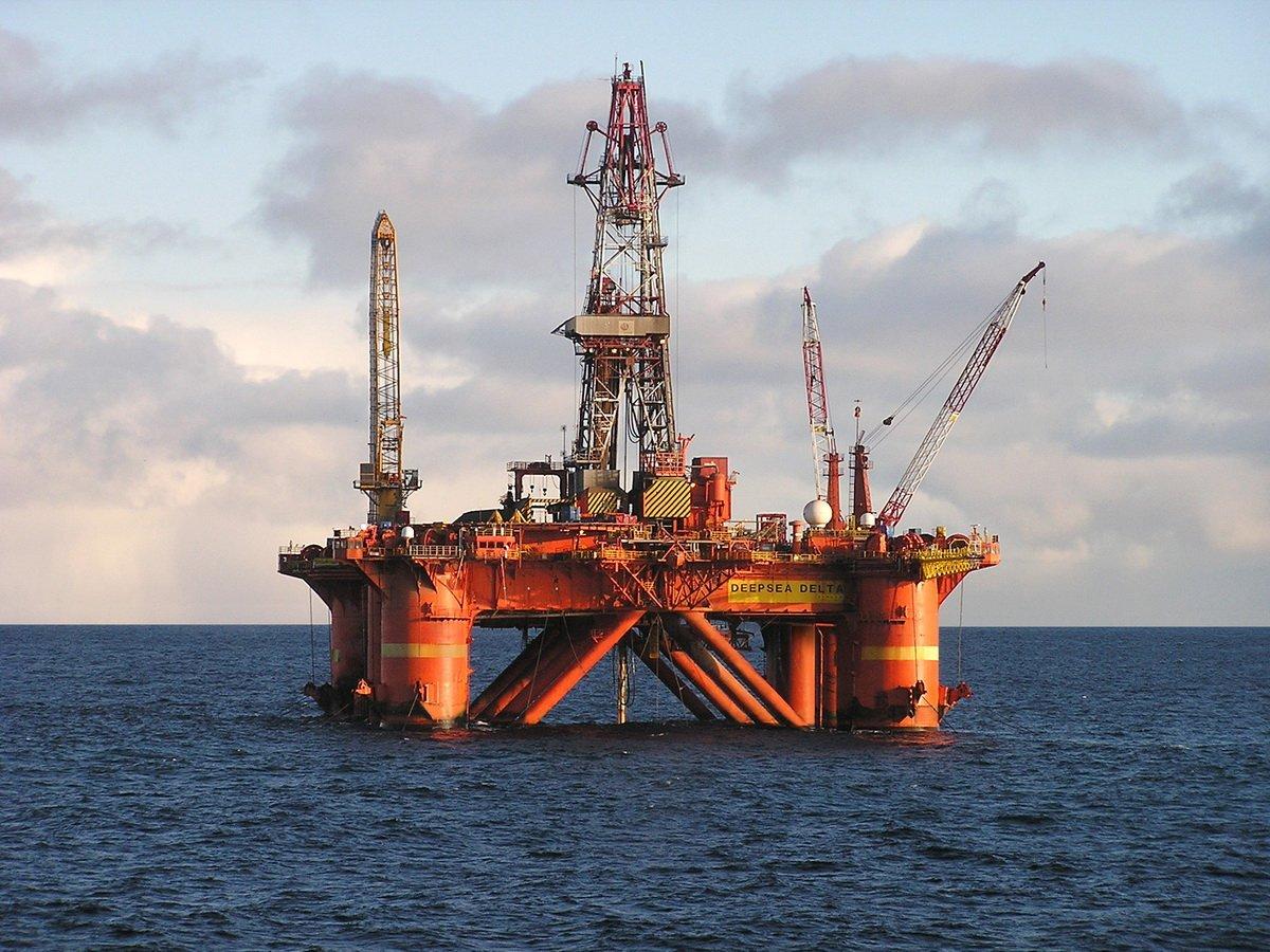 СМИ: нефть подорожает до 150 долларов за баррель