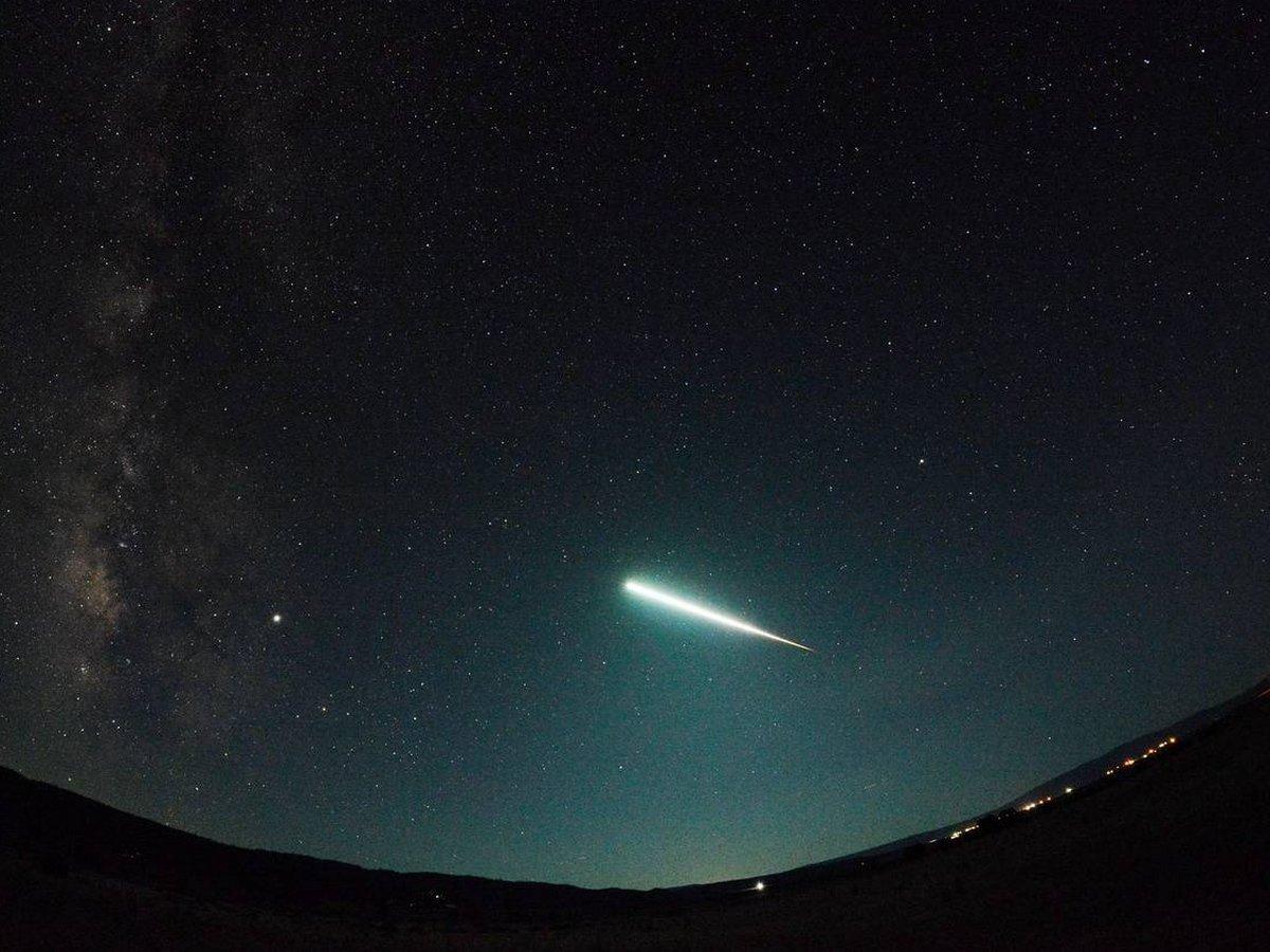 Взрыв метеорита в небе над Токио