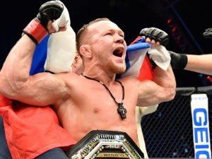 Петр Ян стал чемпионом UFC
