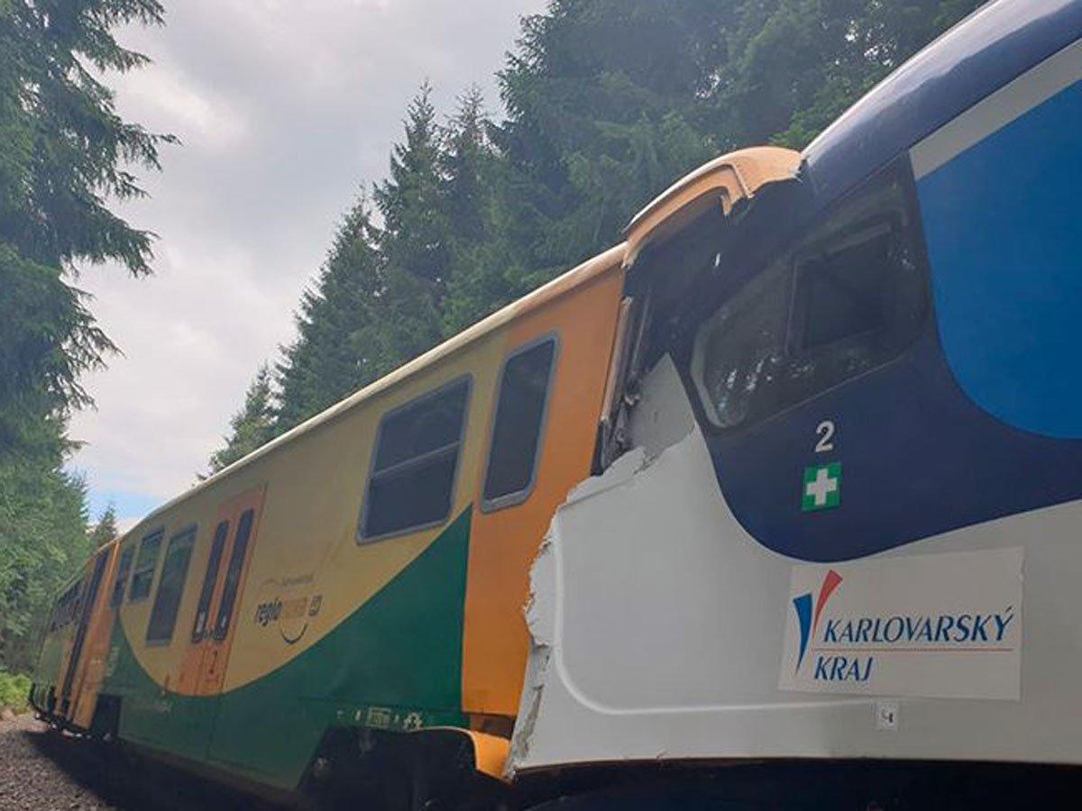 Столкновение поездов в Чехии: есть погибшие