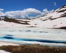 Розовый снег в Альпах