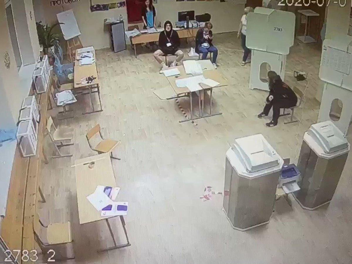В Москве сняли с должности председателя УИК после вброса бюллетене