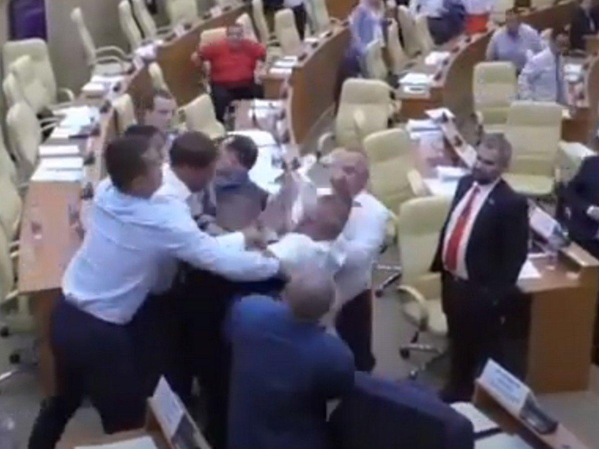 Ульяновские депутаты подрались