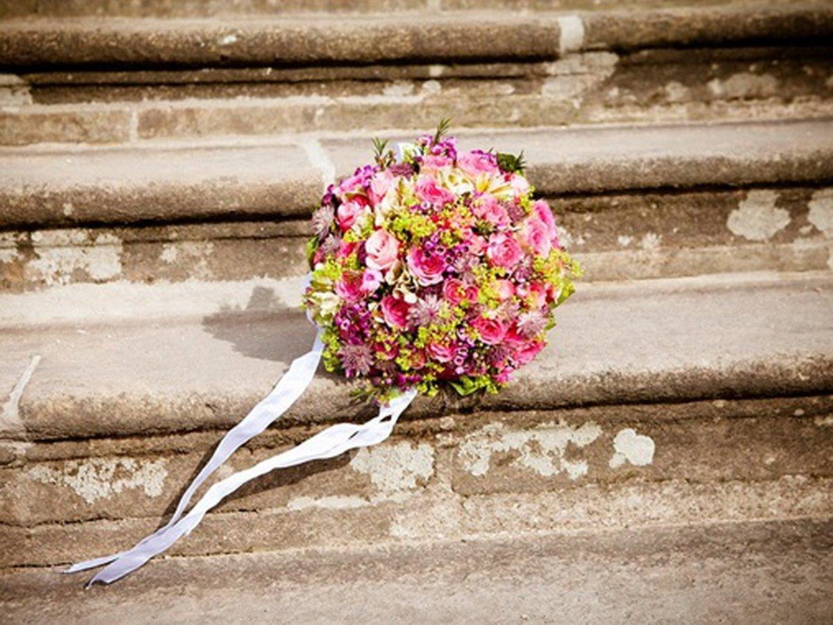 Невеста умерла на свадьбе от аннафилактического шока