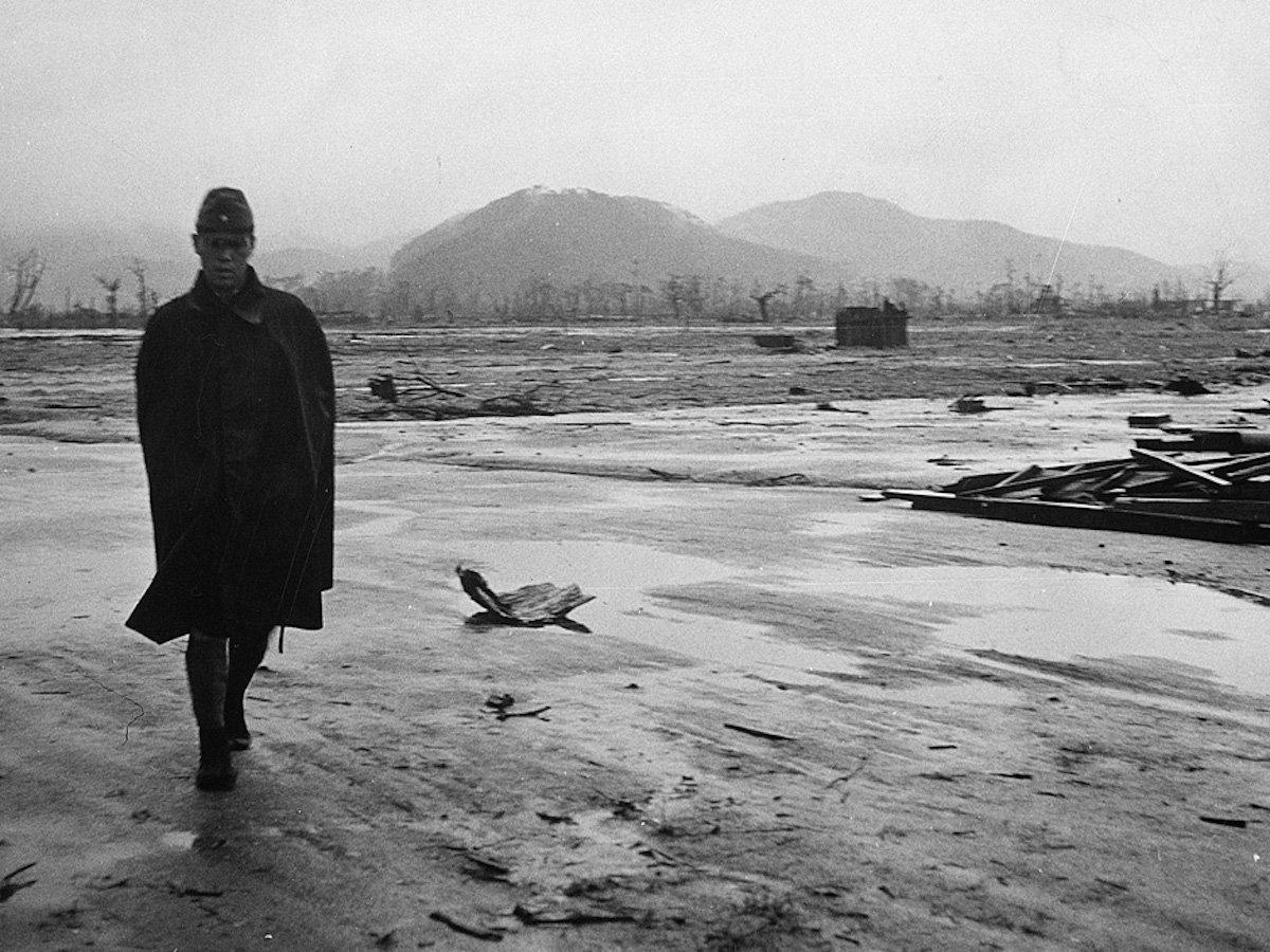 20 страшных кадров в память о ядерном взрыве в Хиросиме