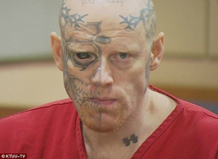 10 самых безумных тату на лице