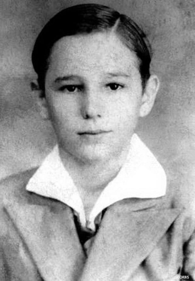 Редкие фотографии Фиделя Кастро в детстве и юности
