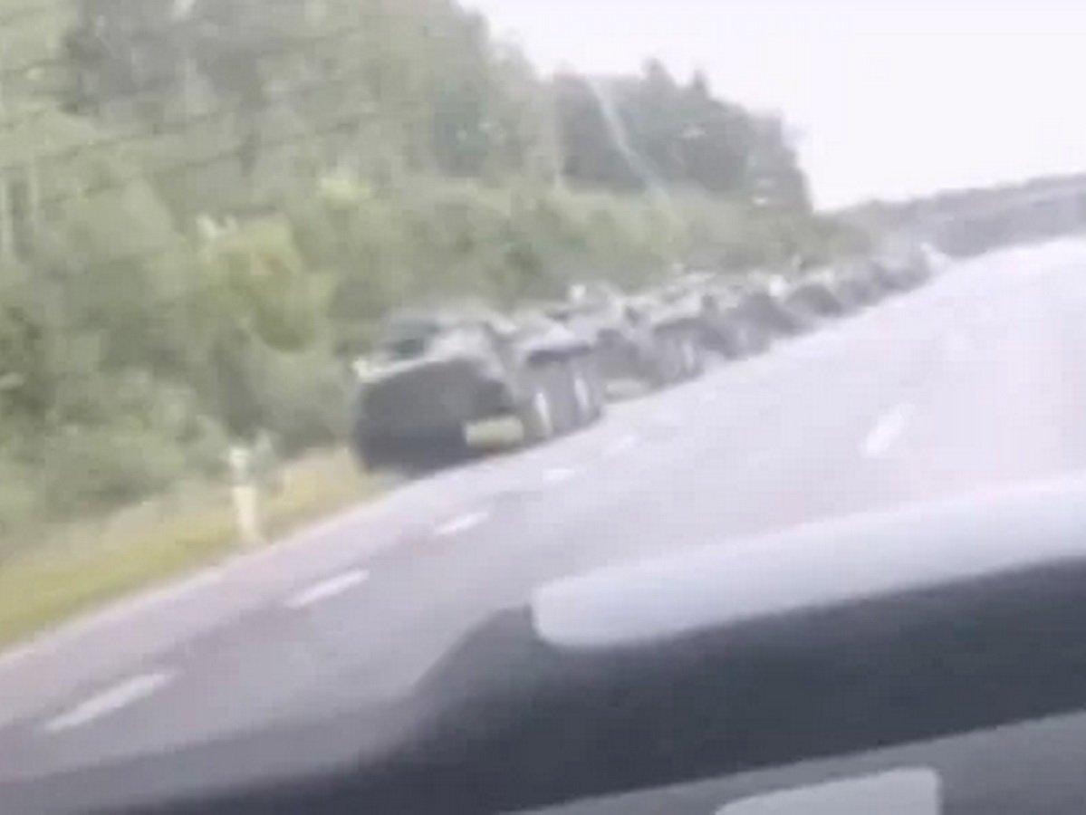 БТР у границ России и Белоруссии