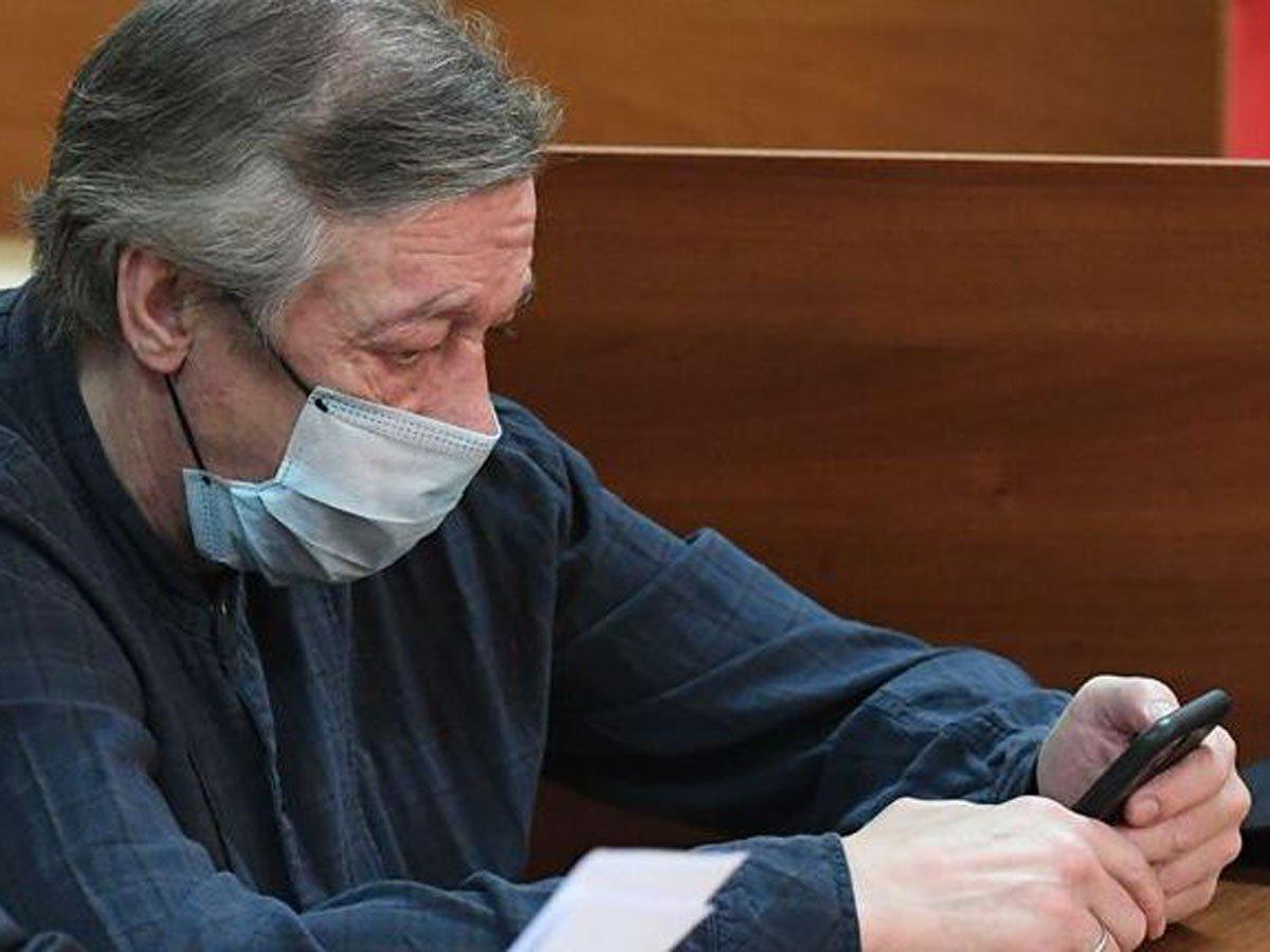 Ефремов не признал вину в аварии
