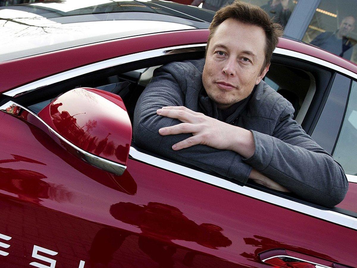 Илон Маск заявил о готовивишейся кибератаке на Tesla