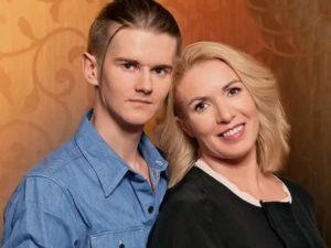 47-летняя Ирина Лобачева разводится с молодым мужем из-за побоев