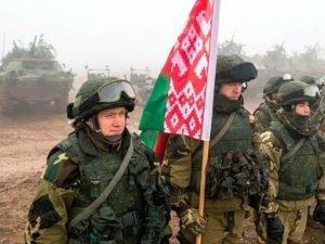 К Минску стягивают войска