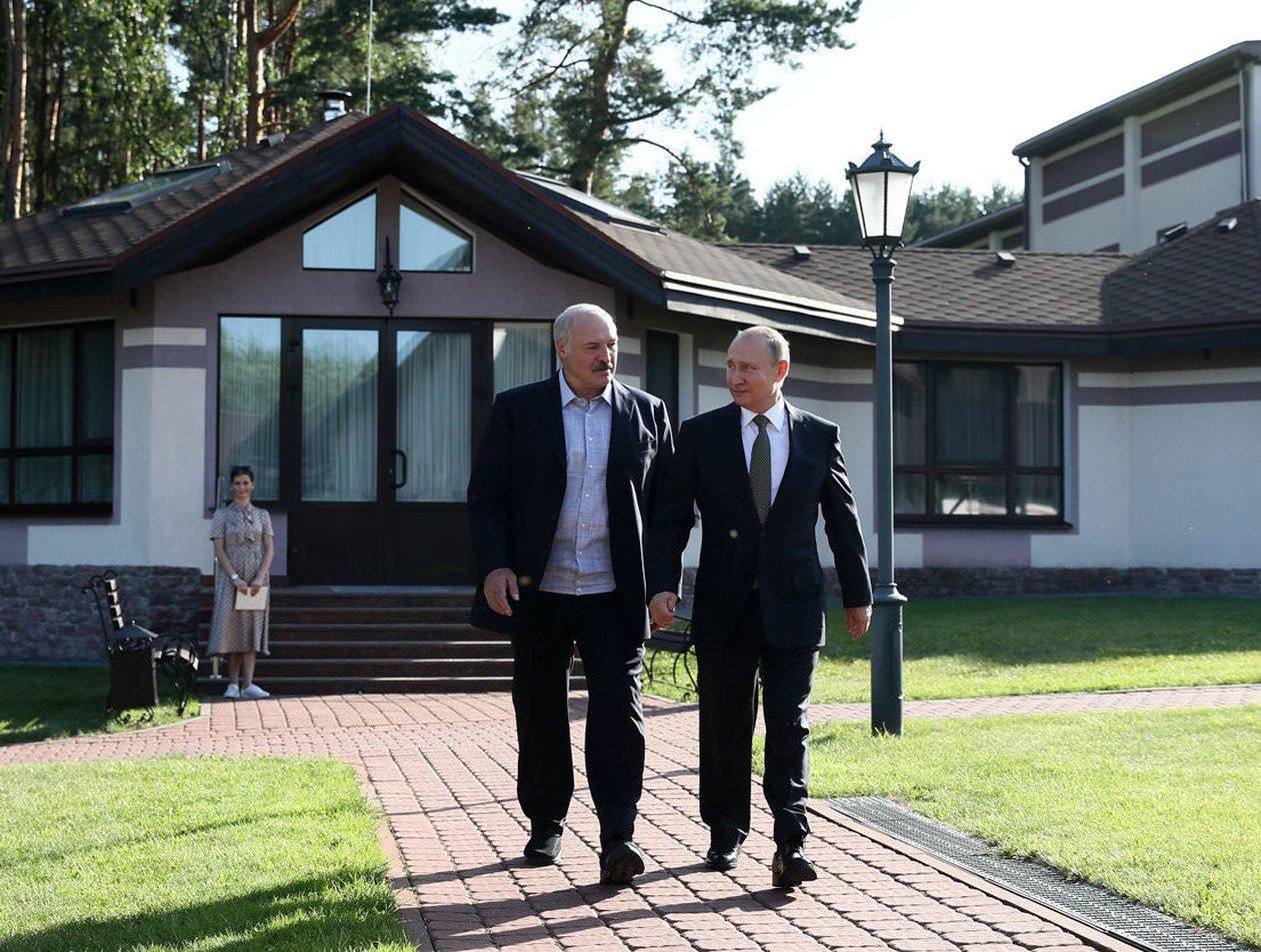 СМИ: Лукашенко для побега готовит две тайные резиденции в Китае и России