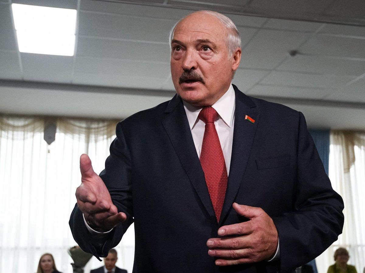 Лукашенко обвинил Россию в укрывательстве