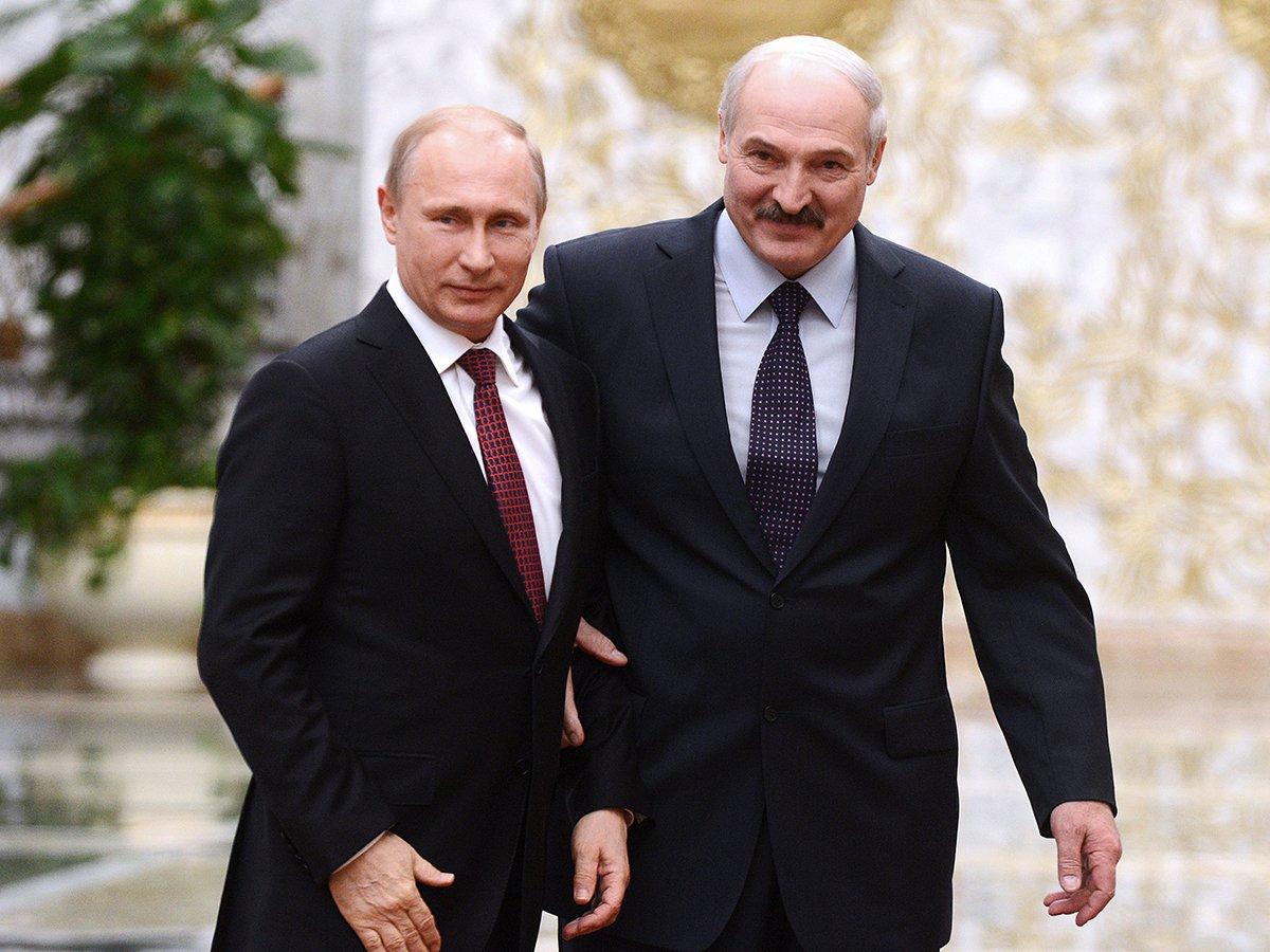 Лукашенко собрался звонить Путину