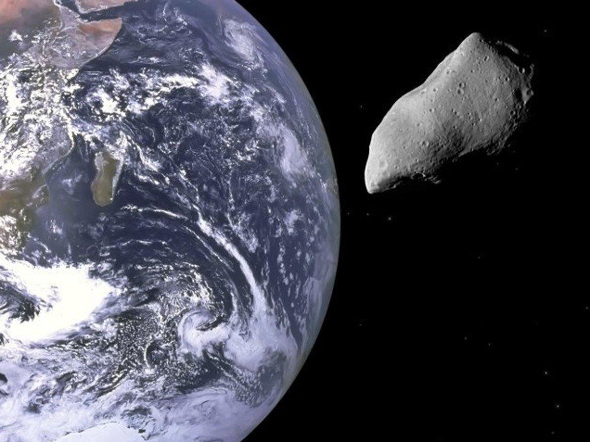 Огромный астероид летит к Земле 5 августа