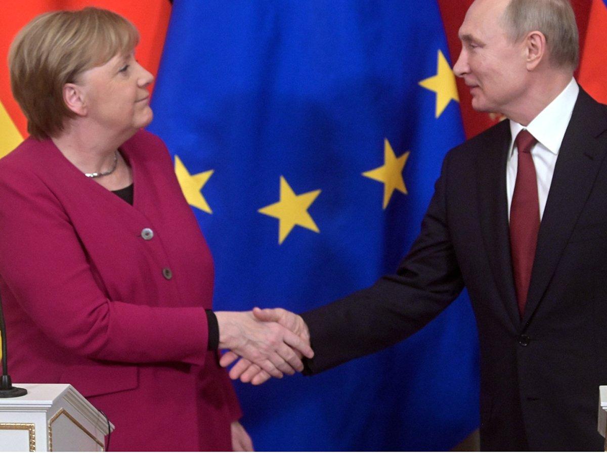 Путин и Меркель обсудили суверенитет Белоруссии