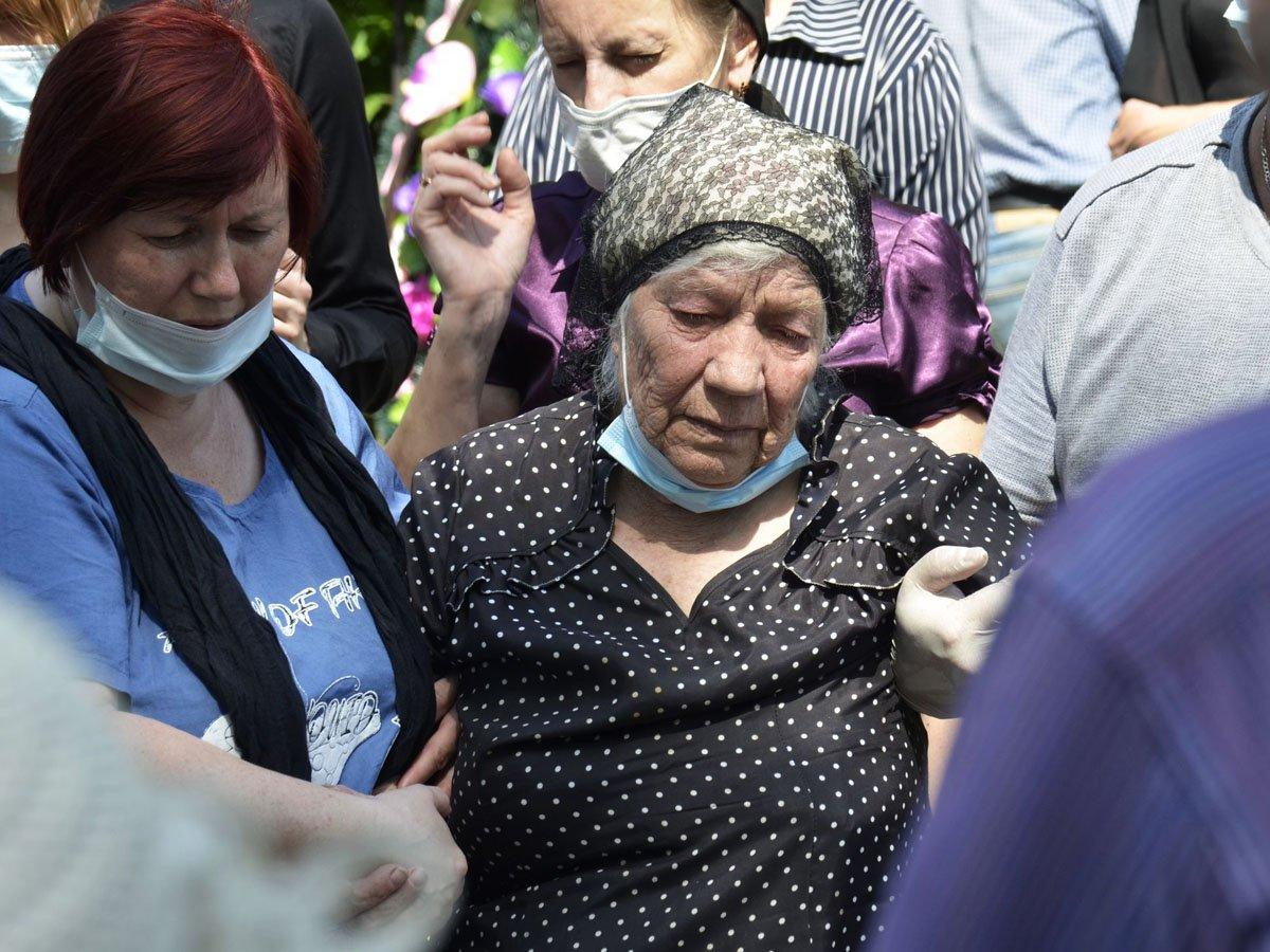 Родня Сергея Захарова сэкономила на похоронах