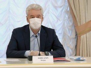 Собянин рассказал, как долго еще продлится масочный режим в Москве