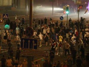 Стрельба по протестующим в Минске