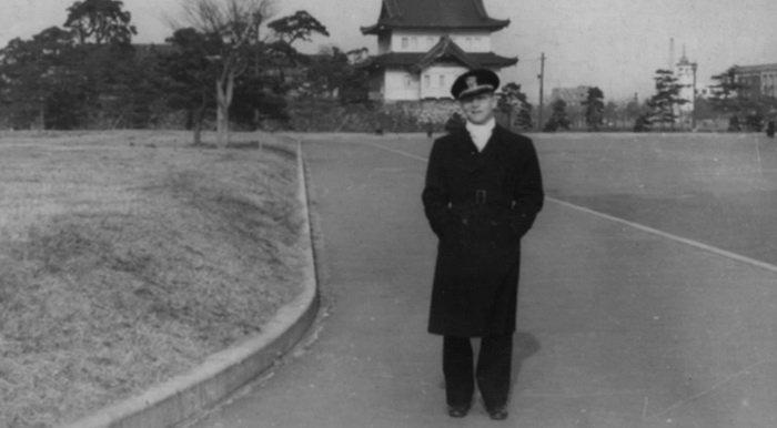 Пользователей удивила фотография деда юзера в Токио