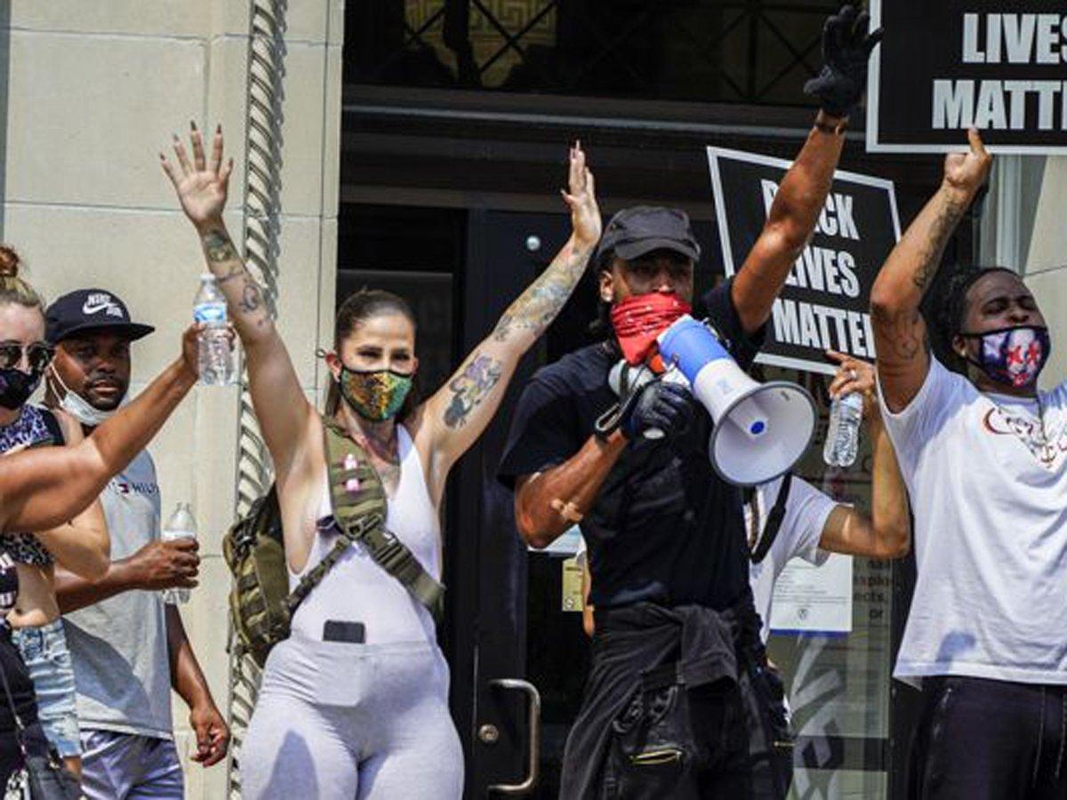 В США началась новая волна массовых протестов