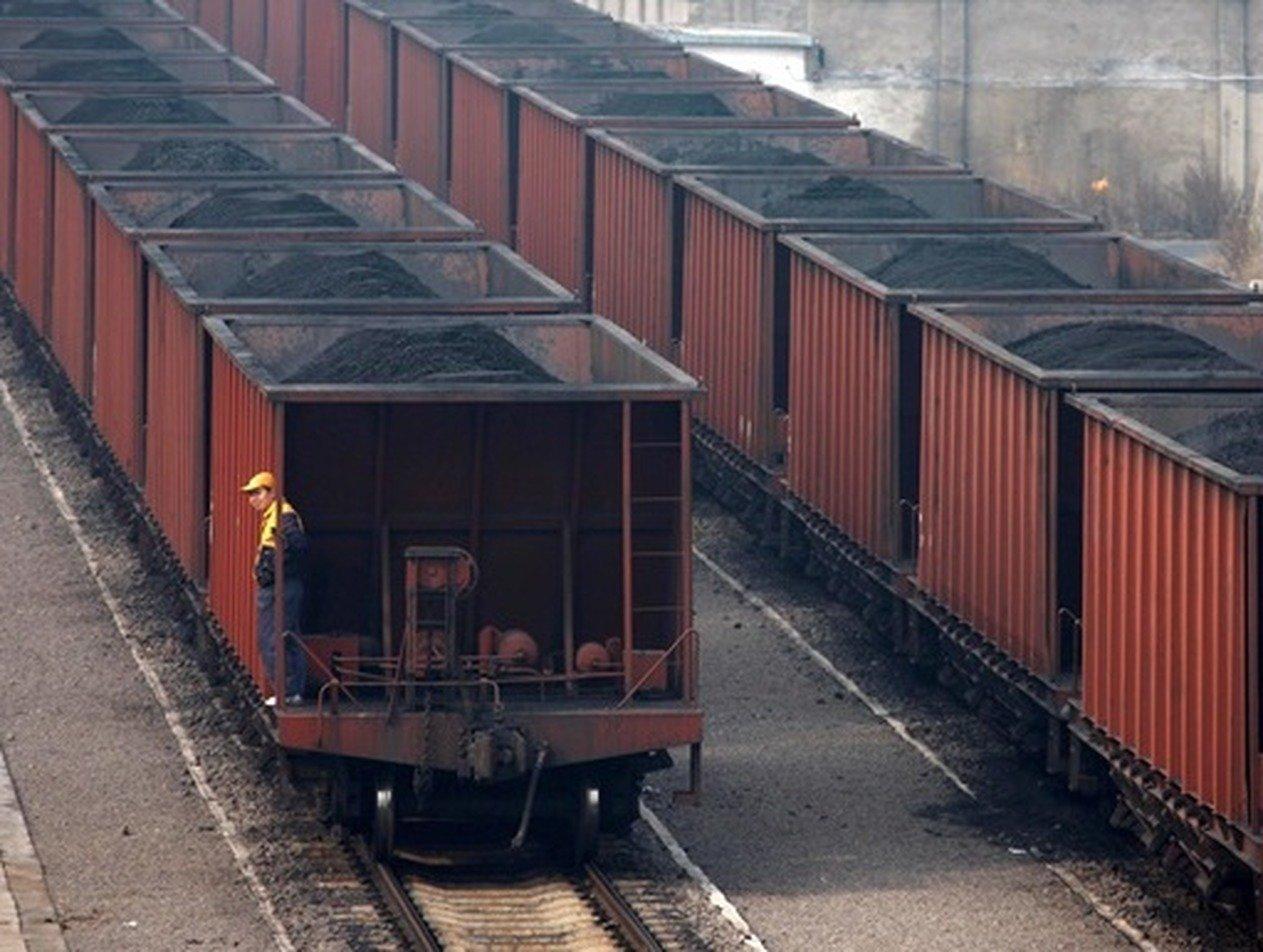 Россиянин с гитарой пытался доехать до Сочи в вагоне с углем