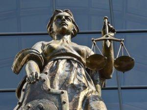 Верховный суд отказался рассматривать иск по выплатам на детей от 16 до 18 лет