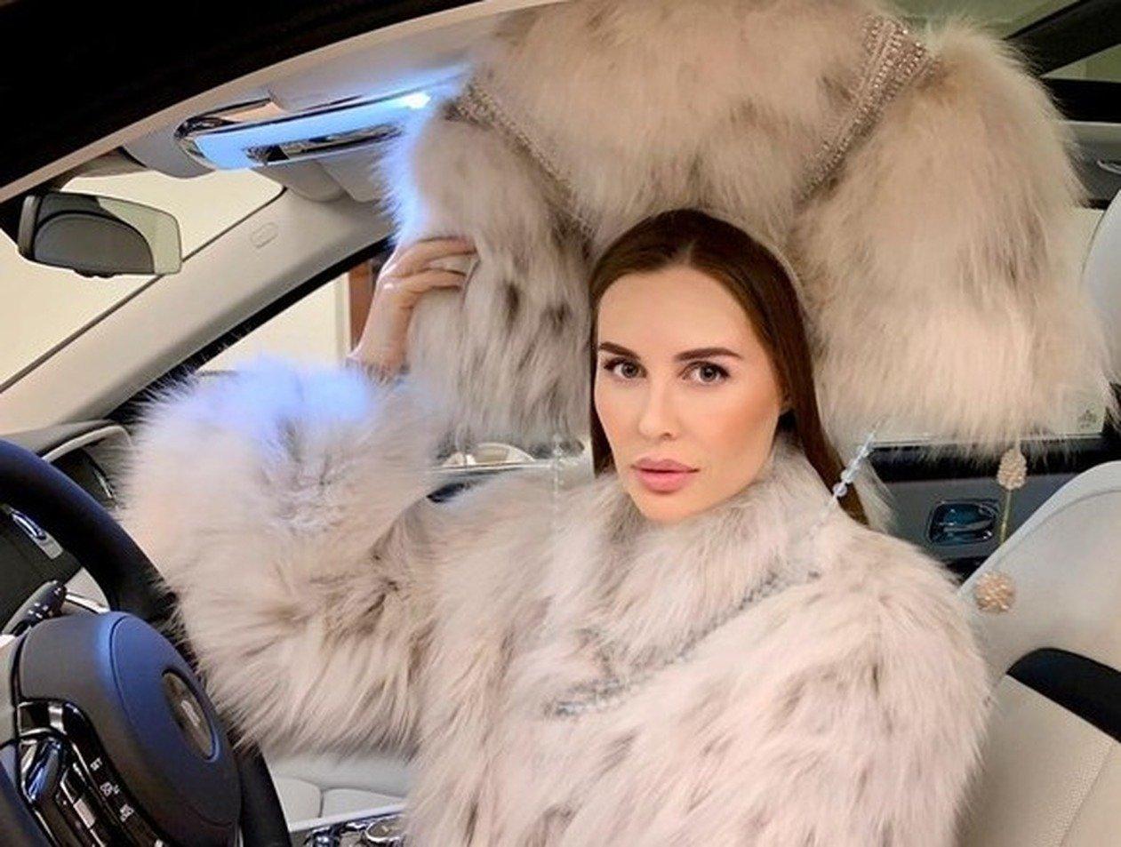 Юлия Михалкова похвасталась роскошным Rolls-Royce Phantom за 25 млн