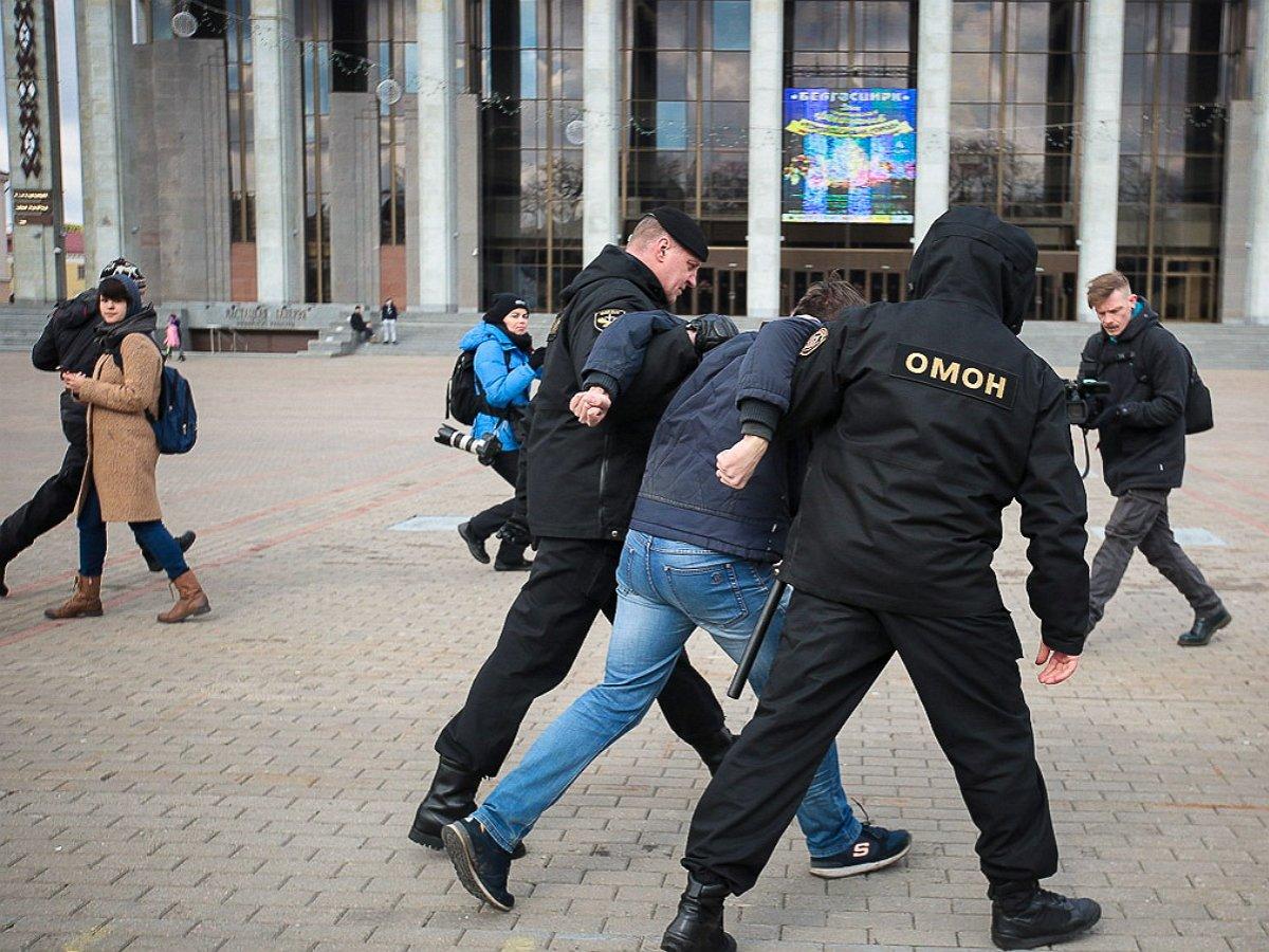 УДома правительства в Минске задержали протестующих