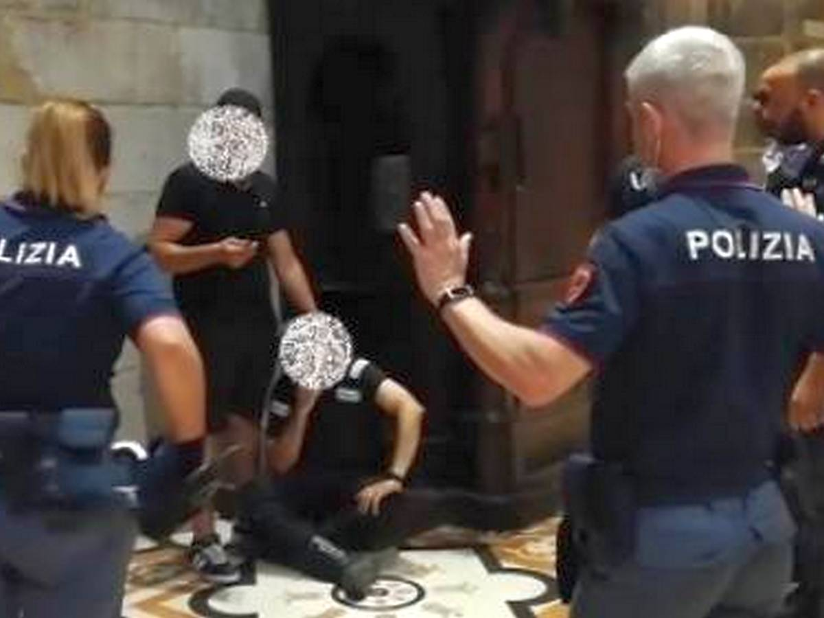 Мужчина захватил заложника в Миланском соборе