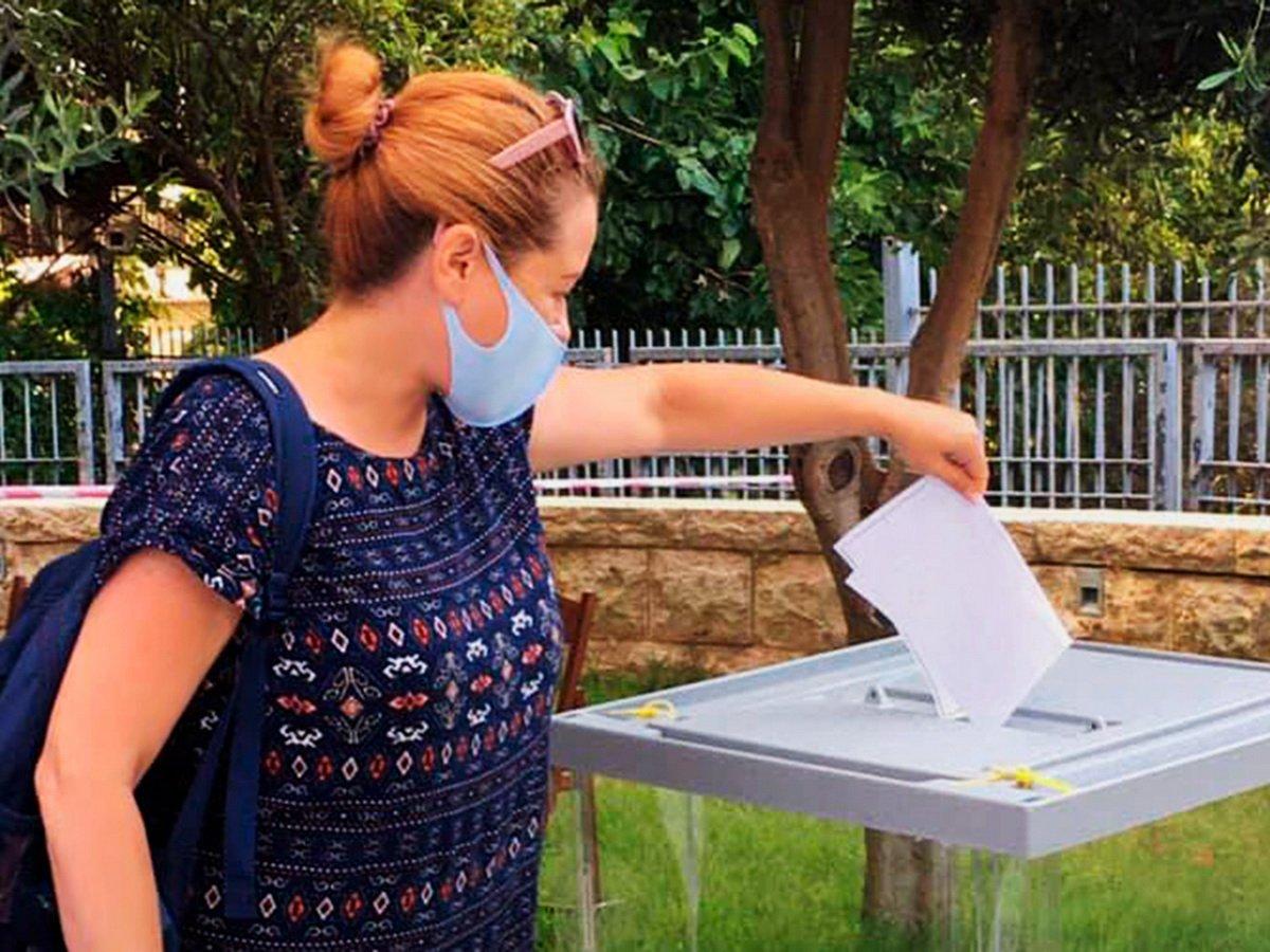 Суд заочно арестовал россиянку, проголосовавшую три раза