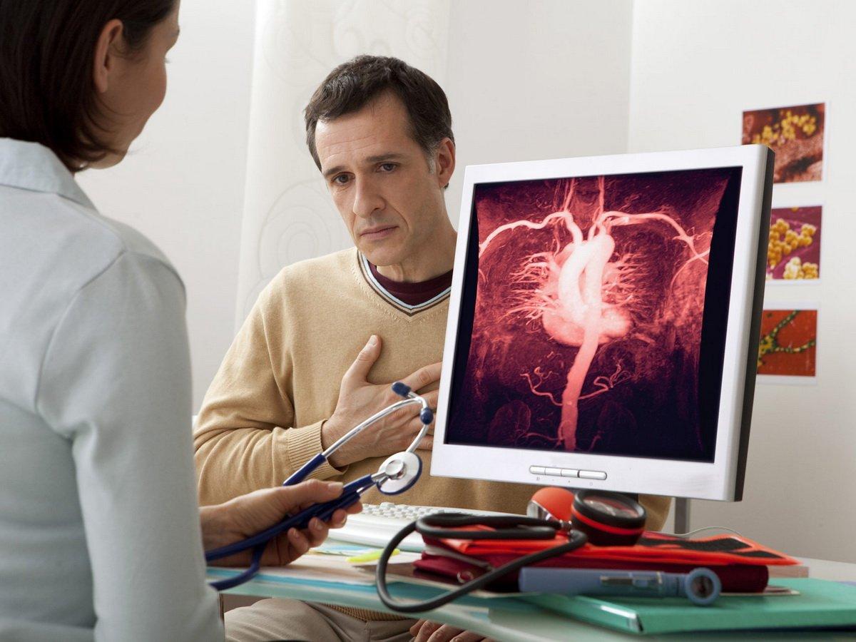Кардиолог назвал опасные симптомы болезней сердца
