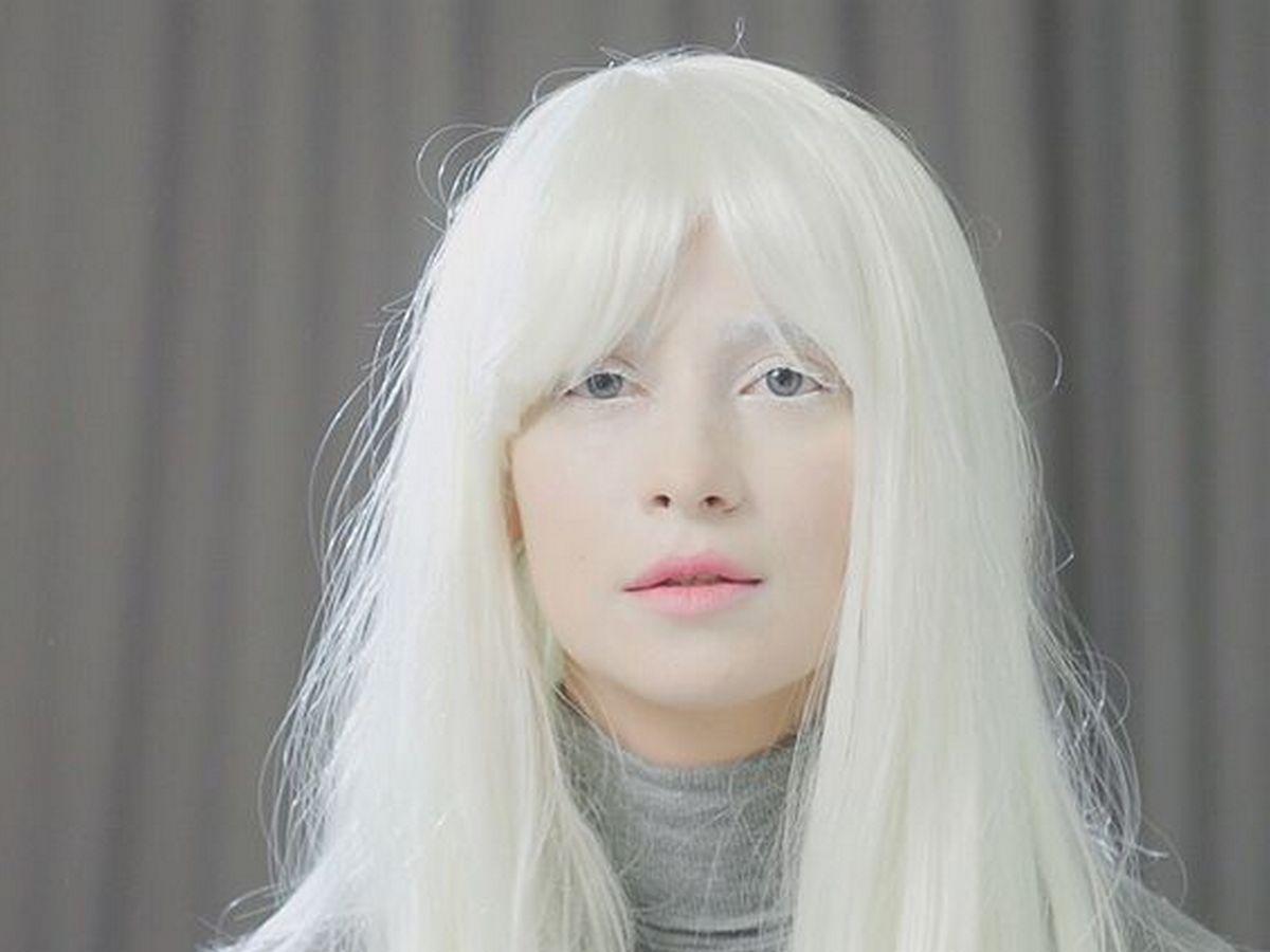 Равшана Куркова блондинка
