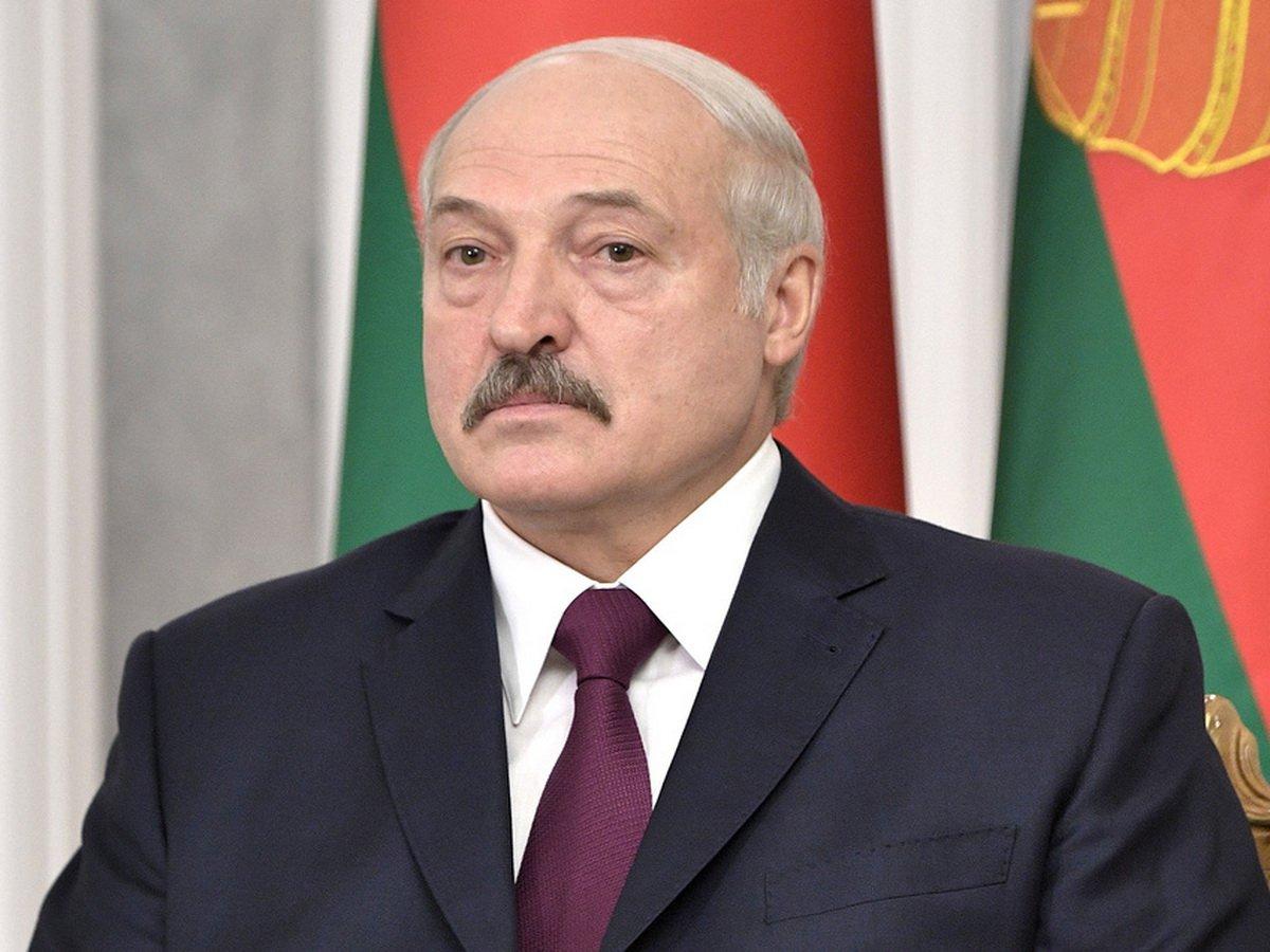 """""""Страну разорвать не позволим"""": Лукашенко пообещал ответить Майдану и назвал зачинщиков протеста"""