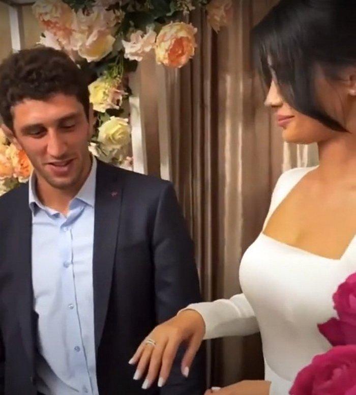 Невеста Сидакова оказалась эксортницей