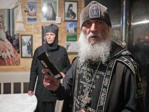 В захваченном монастыре умерла 15-летняя девочка