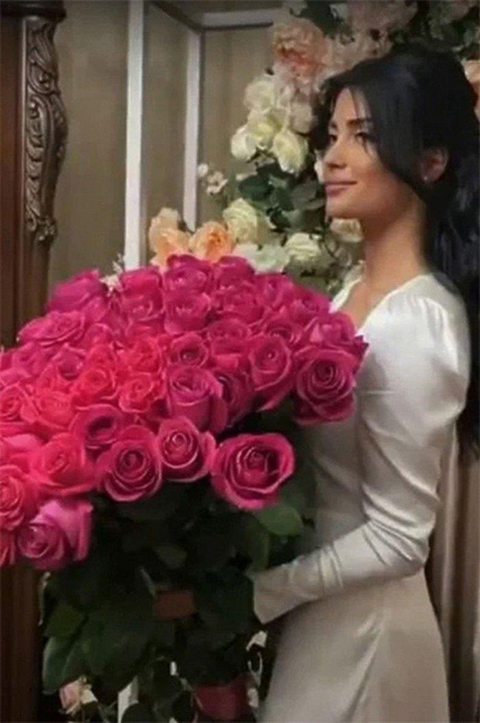 Мадина была опозорена на свадьбе