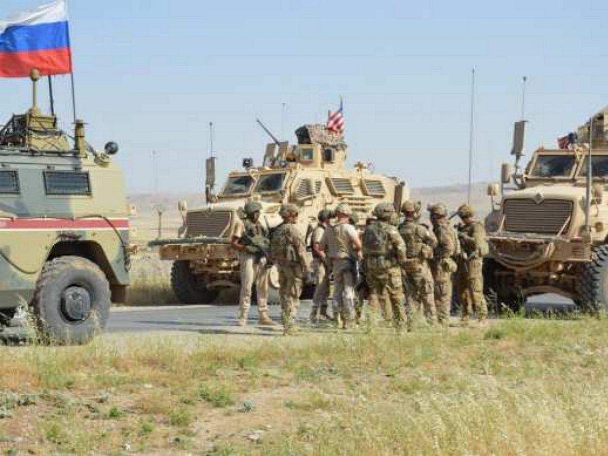 В Сирии произошло столкновение БТР РФ и США: есть раненные