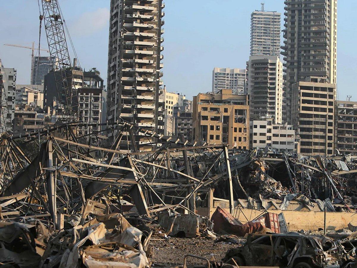 Взрыв в Бейруте 4 августа 2020 года попал на видео