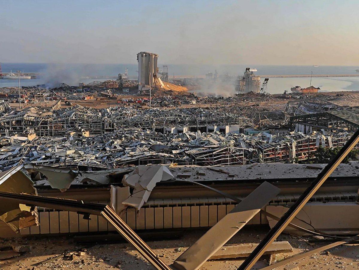 Место взрыва в Бейруте