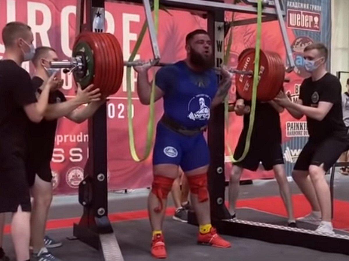 Александр Седых сломал колени