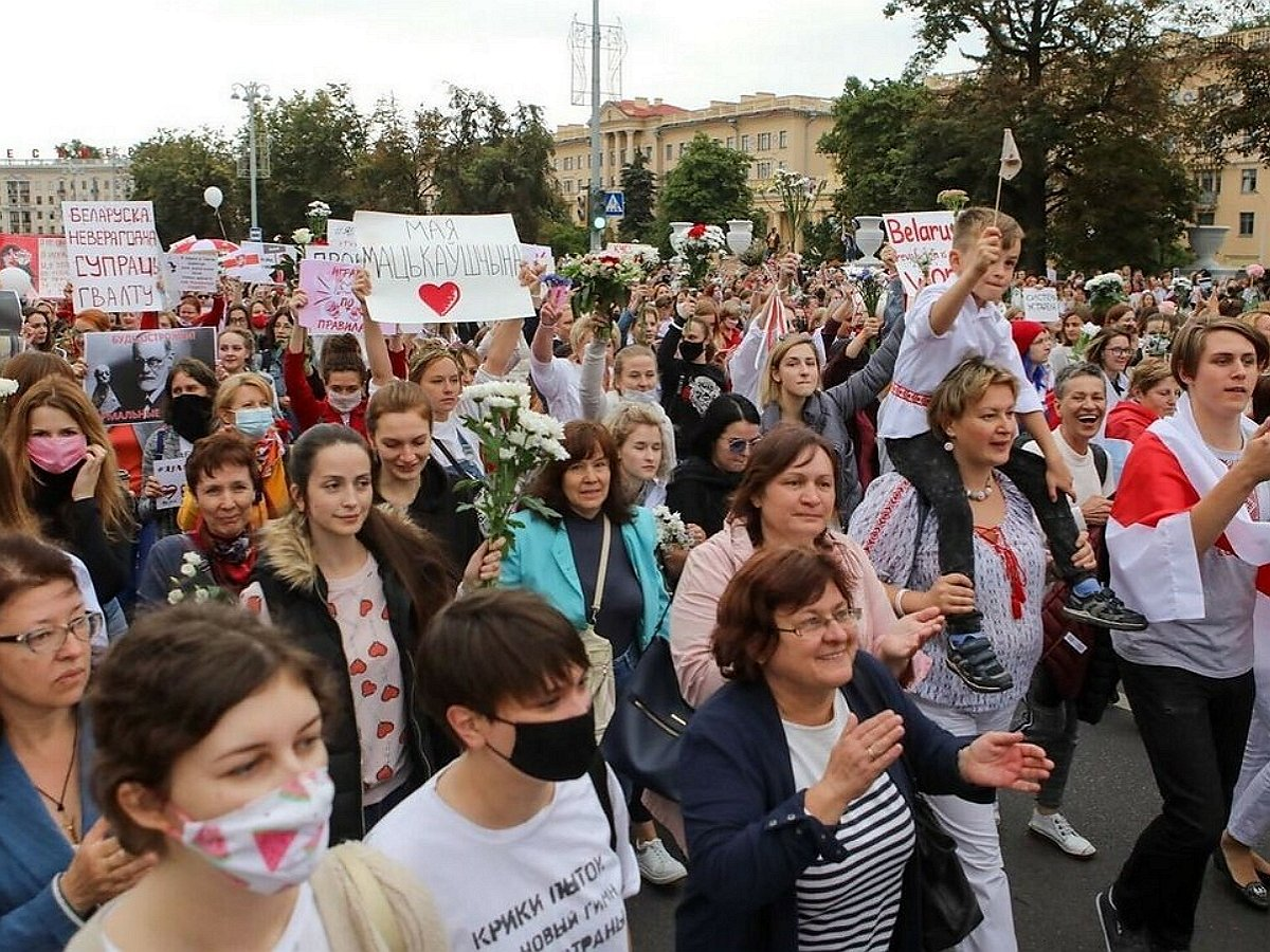 женский марш солидарности в Белоруссии
