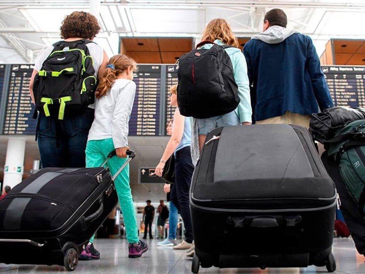 Греция с 7 сентября разрешила въезд в страну россиян